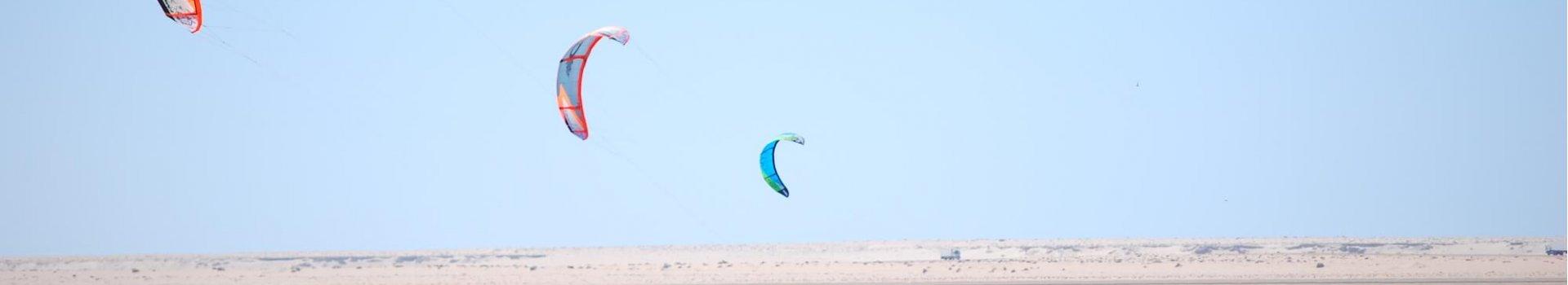 Kitesurfing: jak dobrać niezbędny sprzęt?