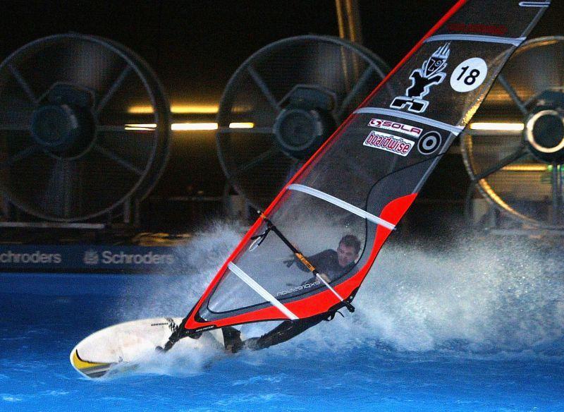 Windsurfing na największym Stadionie Narodowym